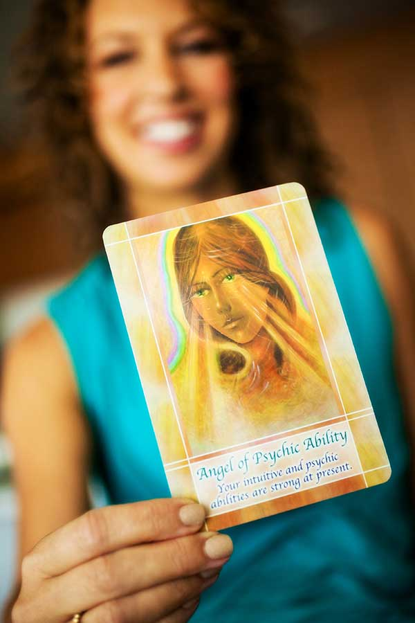 About | Robyn Hessinger | Psychic Medium & Metaphysical Mentor